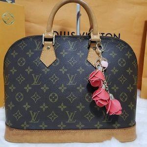 💯%authentic Louis Vuitton alma Pm